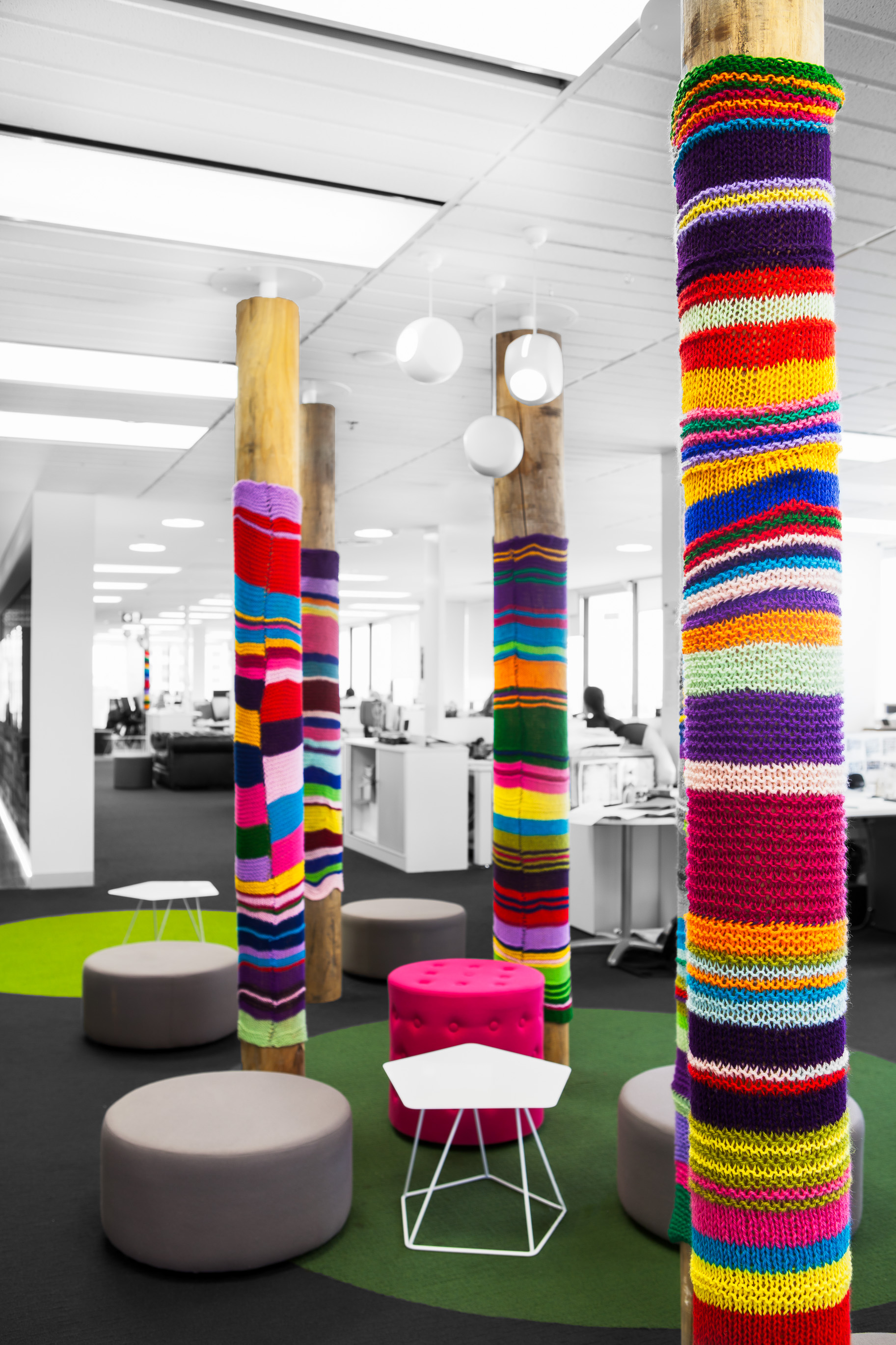 Mediacom north sydney 2012 the bold collective - Como decorar columnas ...